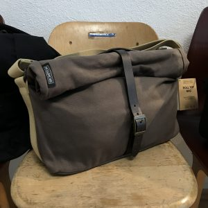 Brompton Tasche Roll-Top in khaki canvas